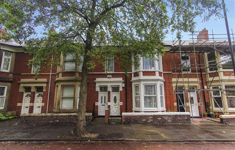 3 Bedrooms Flat for sale in Queen Alexandra Road, North Shields, Tyne And Wear