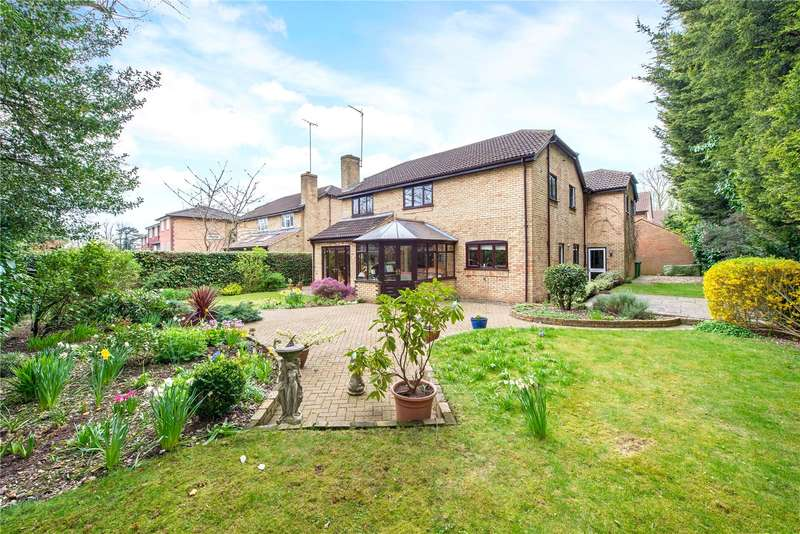 6 Bedrooms Detached House for sale in Wentworth Close, Watford, Hertfordshire, WD17