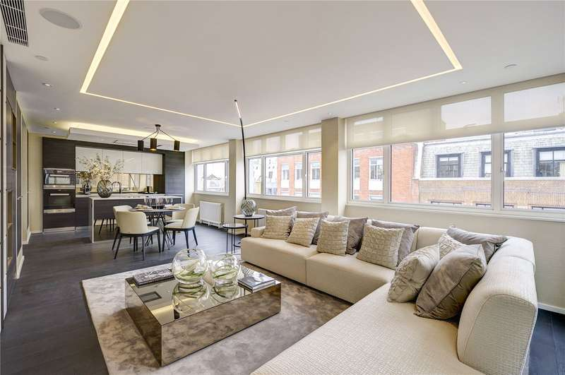3 Bedrooms Flat for sale in Margaret Street, Fitzrovia, London, W1W