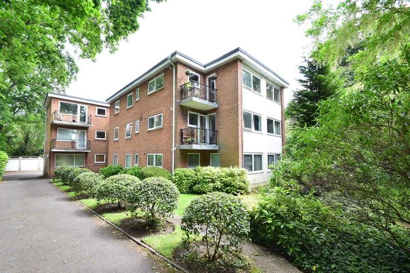 2 Bedrooms Flat for rent in Charminster