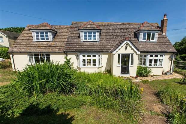 5 Bedrooms Detached House for sale in Burnt House Lane, Alverstone, Sandown, Isle of Wight