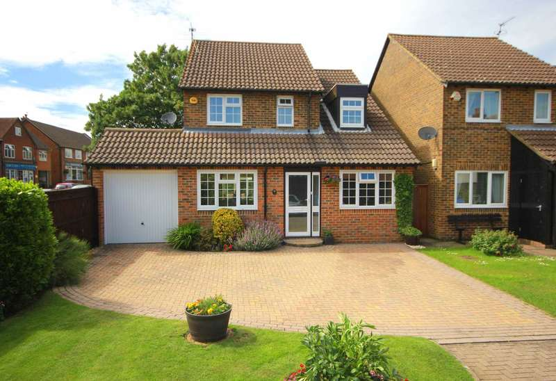 3 Bedrooms Detached House for sale in 4 BED DETACHED OVER 1400 SQ FT IN CENTRAL BOVINGDON VILLAGE LOCATION, HP3