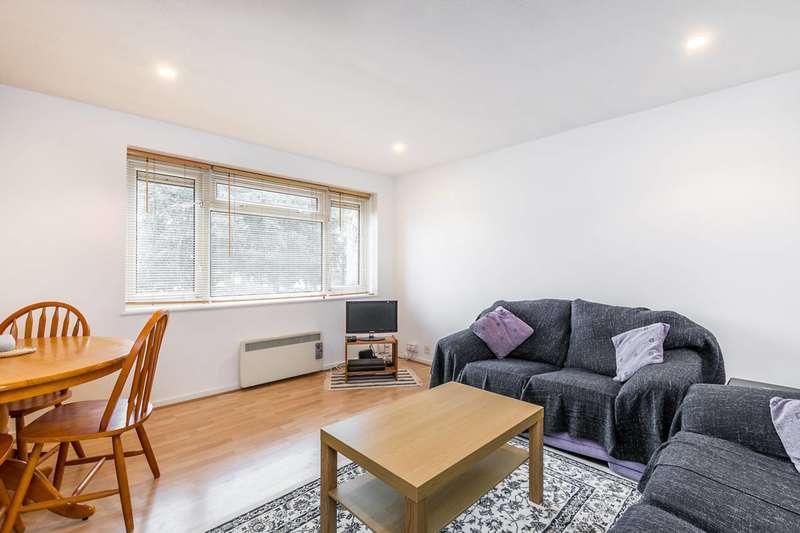 2 Bedrooms Flat for sale in Ham Close, Ham, TW10