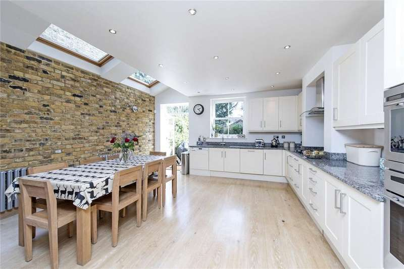 5 Bedrooms Terraced House for sale in Manchuria Road, London, SW11