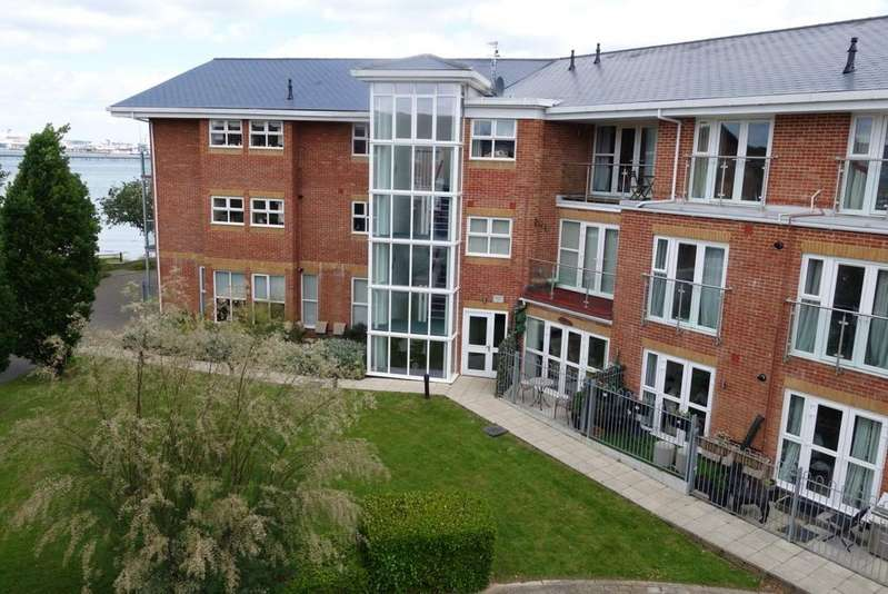 2 Bedrooms Ground Flat for sale in Harbour View, Hythe