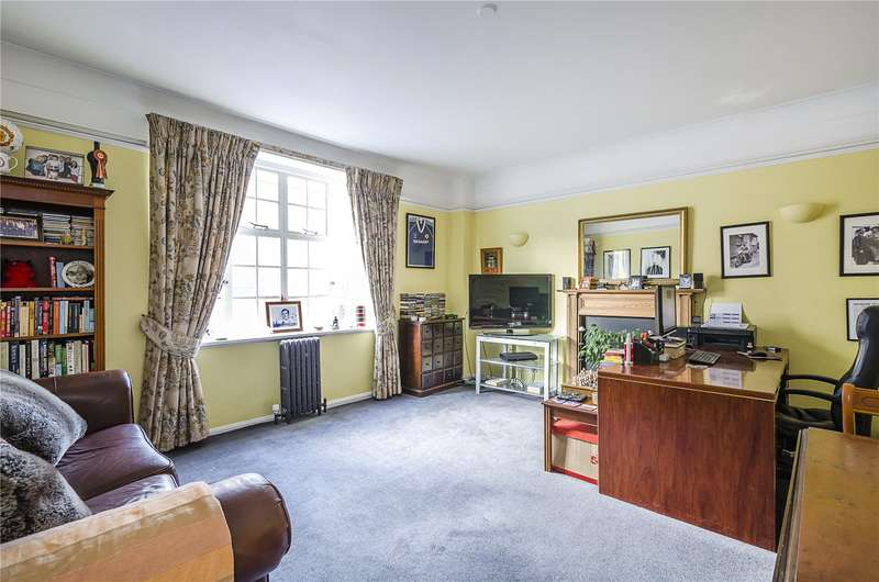 1 Bedroom Flat for sale in Donovan Court, 107 Drayton Gardens, London, SW10