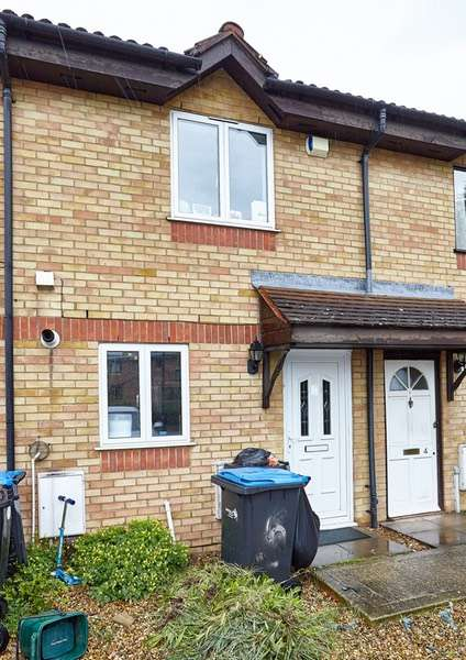 2 Bedrooms Terraced House for sale in Bressey Avenue, Enfield, Middlesex, EN1