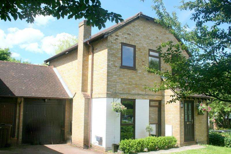 3 Bedrooms Detached House for sale in Forestdale Road, Chatham ME5