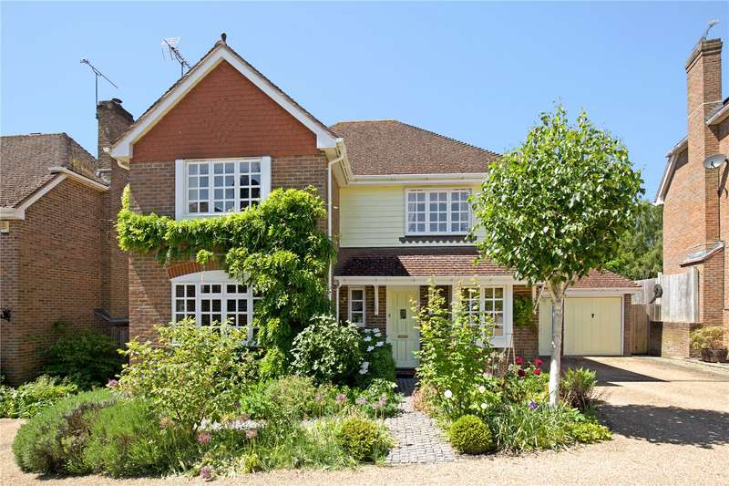 4 Bedrooms Detached House for sale in Bennetts, Bolney, Haywards Heath, West Sussex, RH17