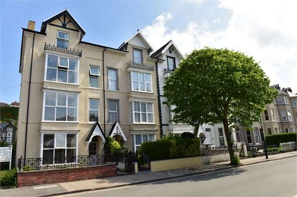 8 Bedrooms Terraced House for sale in Queens Road, Aberystwyth, Ceredigion