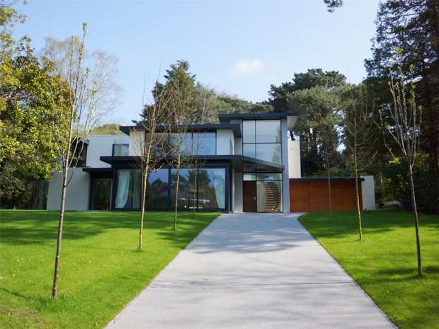 5 Bedrooms Detached House for sale in Bury Road, Branksome Park, Poole, Dorset