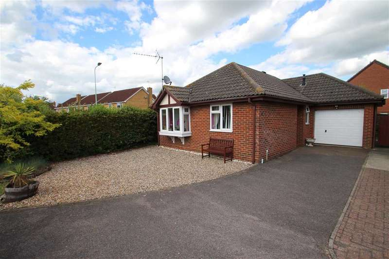 3 Bedrooms Bungalow for sale in Cranwell Grove, Kesgrave, Ipswich