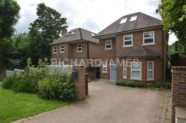 4 Bedrooms Detached House for sale in Milespit Hill, London
