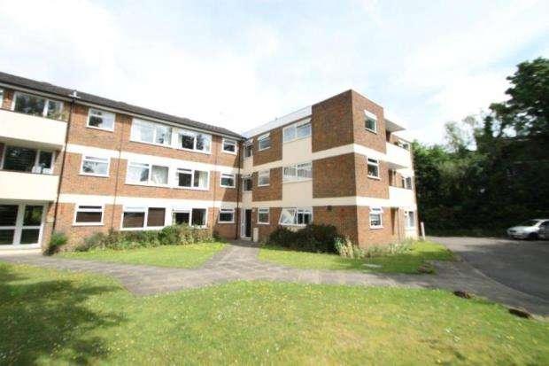 1 Bedroom Flat for sale in 15 Warren Road, Guildford, Surrey