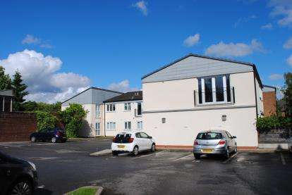 1 Bedroom Flat for sale in Micker Court, 158 Ladybridge Road, Cheadle, Greater Manchester