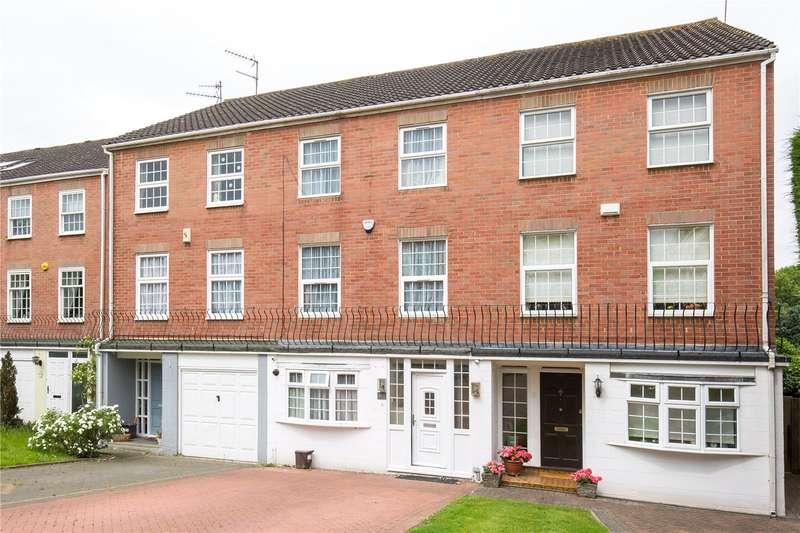 4 Bedrooms Terraced House for sale in Holden Road, Woodside Park, London, N12