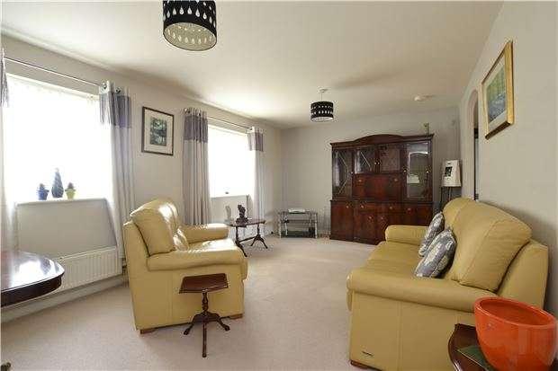 2 Bedrooms Flat for sale in Flat 5, 1 Meadow Lane, WITNEY, OX28 6DN