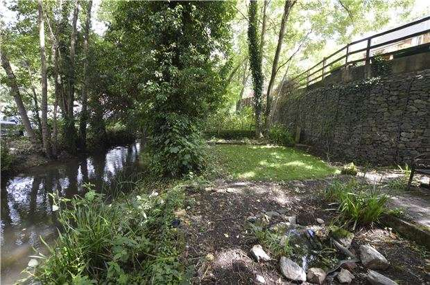 3 Bedrooms End Of Terrace House for sale in Bath Road, Stroud, Gloucestershire, GL5 3JG