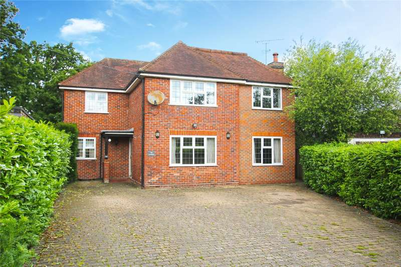 5 Bedrooms Detached House for sale in Queens Avenue, Byfleet, Surrey, KT14