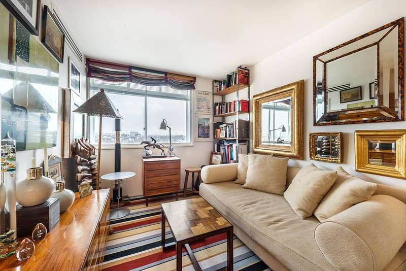 2 Bedrooms Flat for sale in Campden Hill Towers, 112 Notting Hill Gate, London, W11