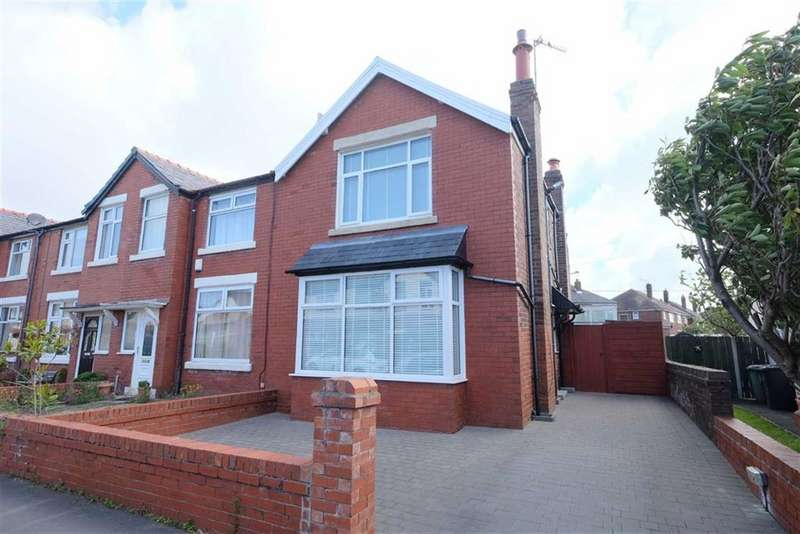 3 Bedrooms Property for sale in Kendal Road, St Annes