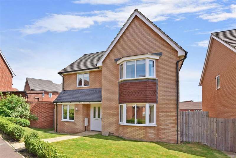 4 Bedrooms Detached House for sale in Gamelan Walk, Hoo, Rochester, Kent