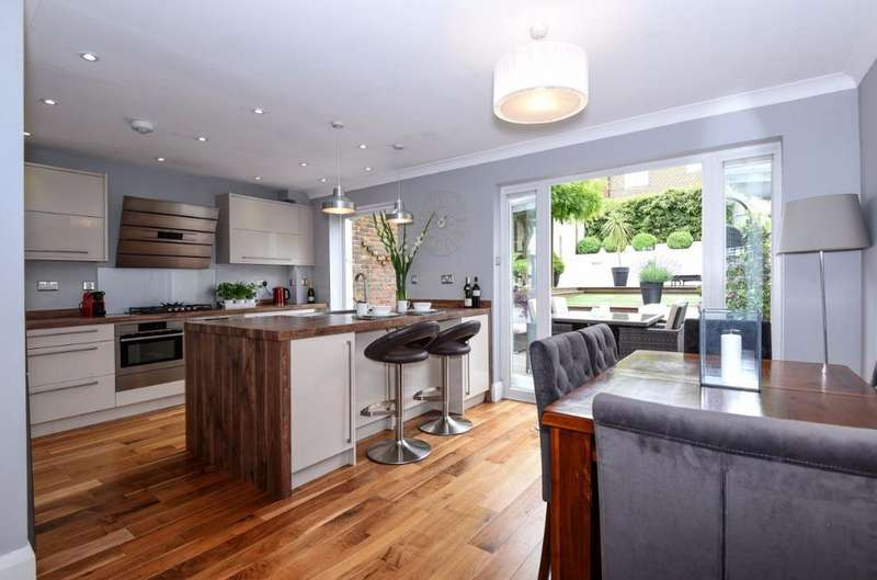 4 Bedrooms Terraced House for sale in New Barn Close Portslade East Sussex BN41