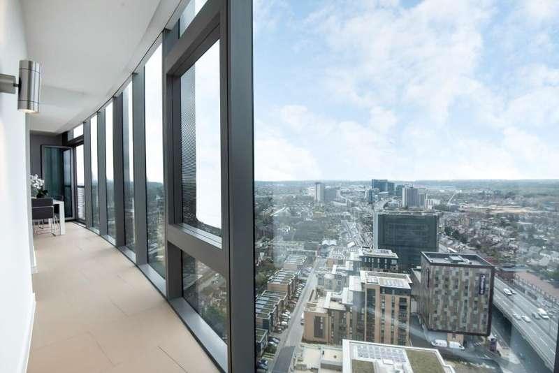 2 Bedrooms Apartment Flat for sale in Kew Eye, Brentford