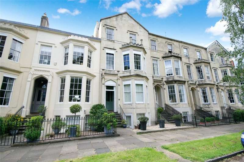 2 Bedrooms Apartment Flat for sale in Clarence Square, Cheltenham, GL50