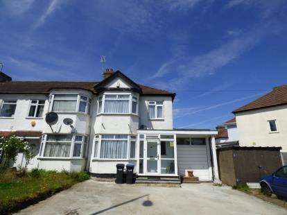 3 Bedrooms Terraced House for sale in Carterhatch Lane, Enfield