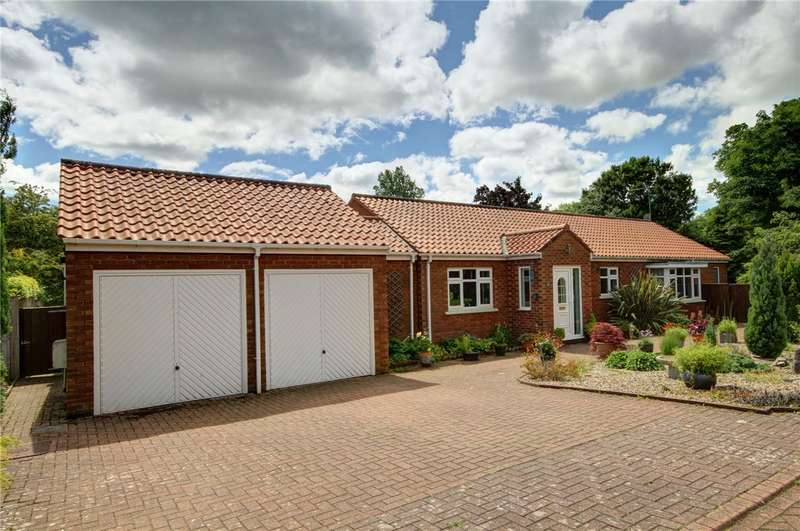 4 Bedrooms Detached Bungalow for sale in Stockley Grove, Brancepeth Village, Durham, DH7