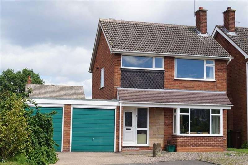 3 Bedrooms Detached House for sale in Camberley Drive, Penn, Wolverhampton
