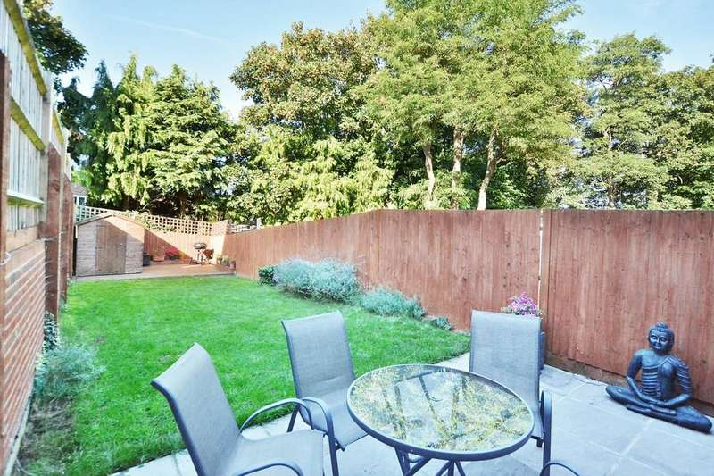 3 Bedrooms Semi Detached House for sale in Uplands Road, Guildford