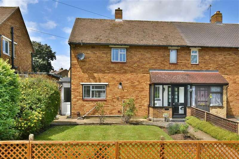 2 Bedrooms Semi Detached House for sale in Mounthurst Road, Hayes, Kent