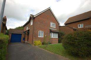 4 Bedrooms Detached House for sale in Wares Field, Ridgewood, Uckfield, East Sussex