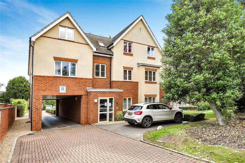 2 Bedrooms Apartment Flat for sale in Overton House, 21 Church Road, Uxbridge, Middlesex, UB8