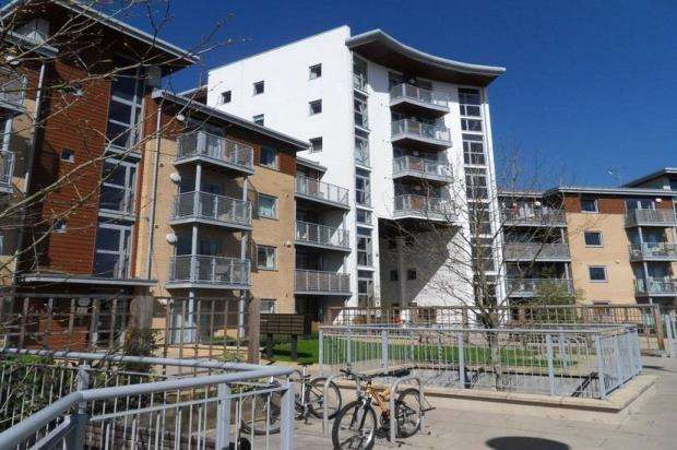 2 Bedrooms Apartment Flat for sale in Kelvin Gate, Bracknell, Berkshire