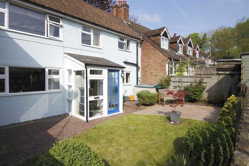 2 Bedrooms Terraced House for sale in Sunnyside, Swan Street, Kingsclere