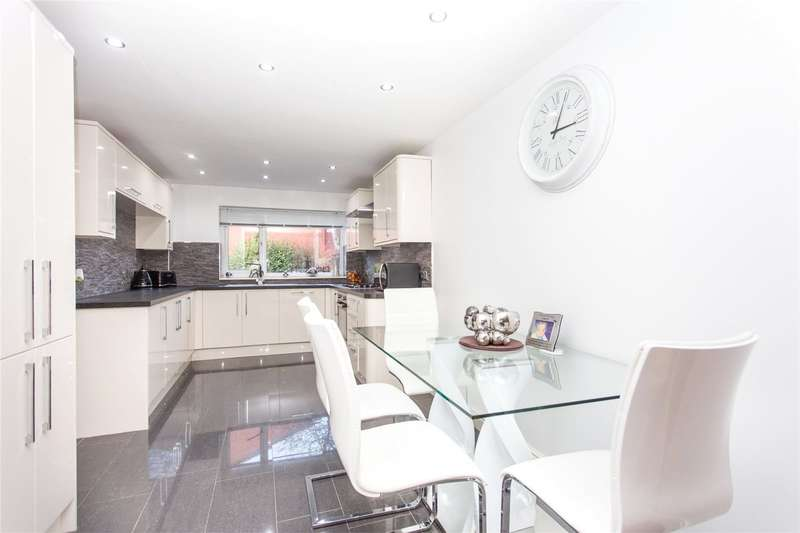 3 Bedrooms Terraced House for sale in Howden Gardens, Leeds, West Yorkshire, LS6