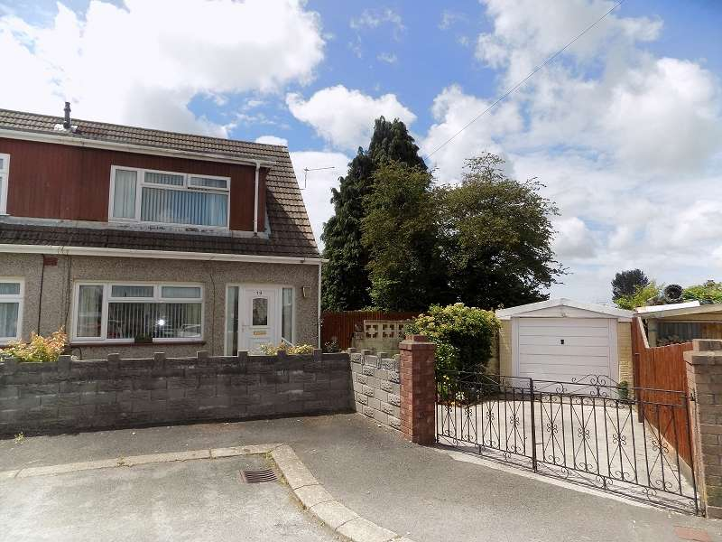 3 Bedrooms Semi Detached Bungalow for sale in Park Place, Sarn, Bridgend. CF32 9UA