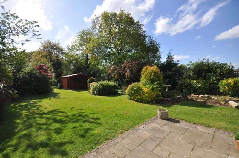 4 Bedrooms Detached House for sale in London Road, Black notley, Braintree, CM77