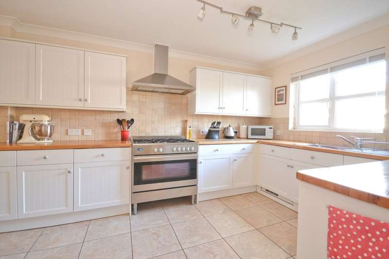 3 Bedrooms Semi Detached House for sale in Northwood, Isle Of Wight