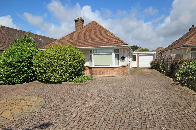 4 Bedrooms Chalet House for sale in Cowper Avenue, New Milton