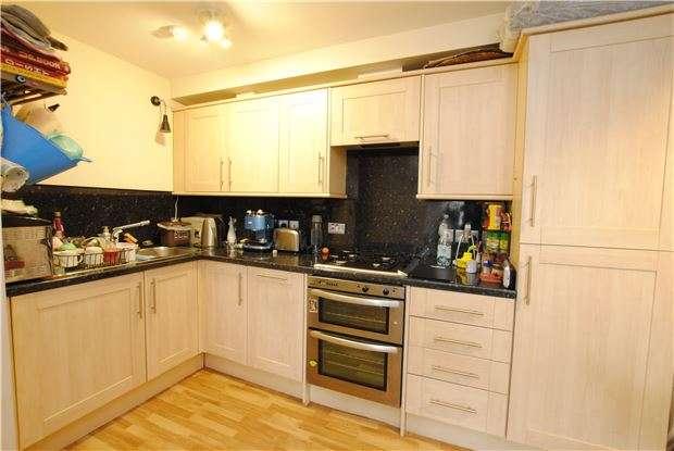 2 Bedrooms Flat for sale in West Street, Bedminster, Bristol, BS3 3LT