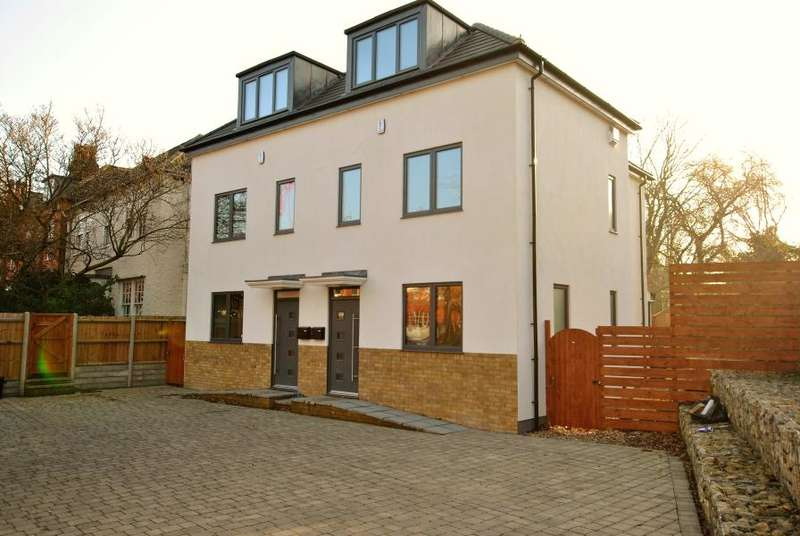 3 Bedrooms House for sale in Mortlake Road, Kew