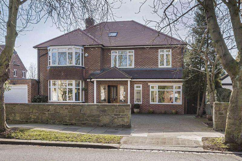 5 Bedrooms Detached House for sale in The Drive, Gosforth