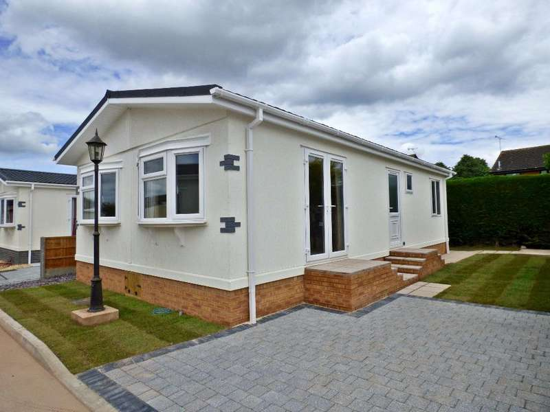 2 Bedrooms Park Home Mobile Home for sale in Eastern Avenue, Fayre Oaks Home Park, Kings Acre, Hereford