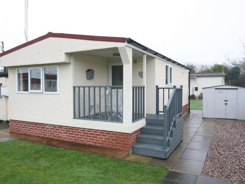 2 Bedrooms Park Home Mobile Home for sale in 2 Love Lane Park Homes, Love Lane, Rugeley, WS15 2HL