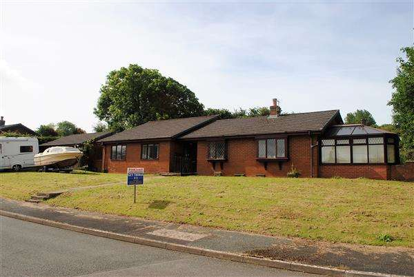 4 Bedrooms Detached Bungalow for sale in Southlands, St. Daniels Hill, Pembroke