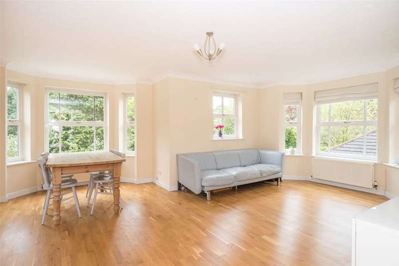 2 Bedrooms Flat for sale in Oak House, 10 Allerton Park, Leeds, West Yorkshire, LS7